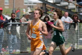 Mike Medvec holds off Sensec in 800m